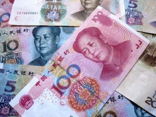 中国元は為替介入で動く