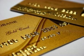 ゴールドやプラチナカードを持ちたい人