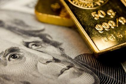 金価格が動く理由は投機と為替
