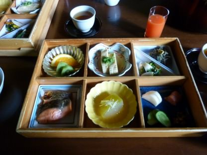 星のや軽井沢の朝食ルームサービス