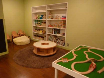 キッズルームのおもちゃや絵本